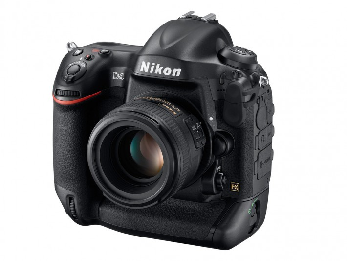 Nikon D4 front